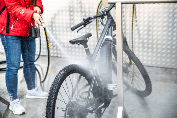 cleaning-a-bike-process
