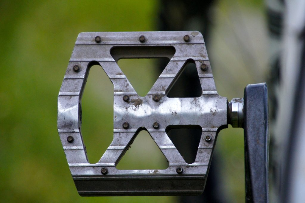 how-to-install-the-new-bike-pedals