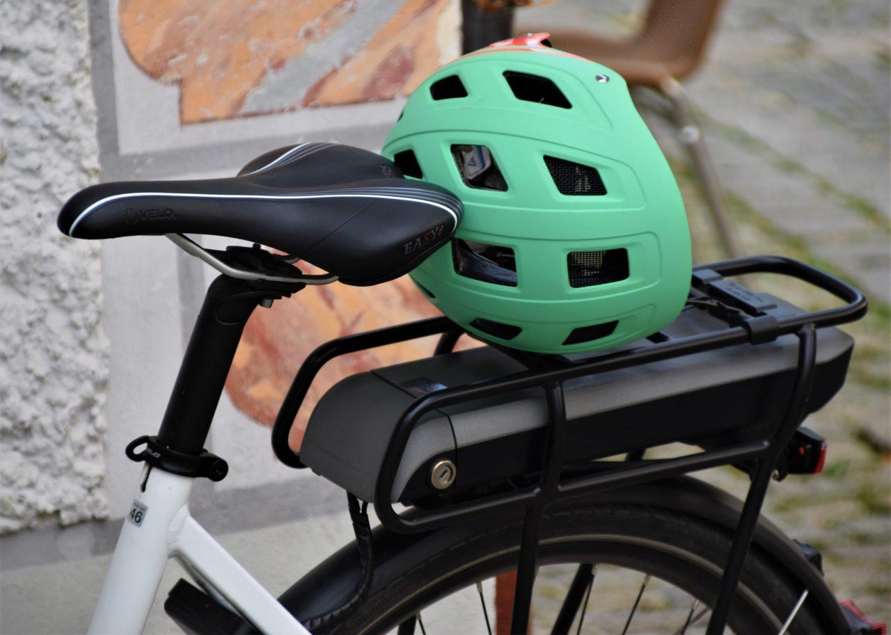 how-to-clean-bicycle-helmet
